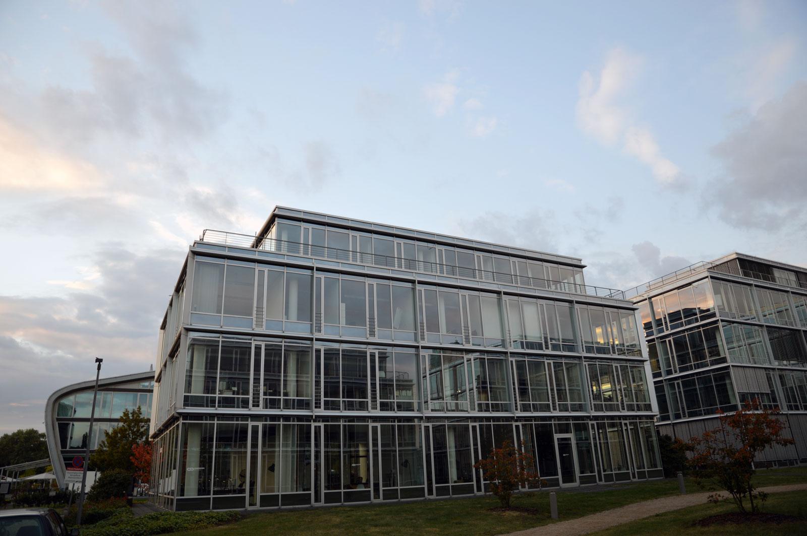 Bonn großer Seminarraum neben Kameha Grand Hotel